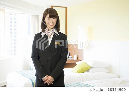 ホテルウーマン スタッフ リゾートホテル 客室の写真素材 - PIXTA